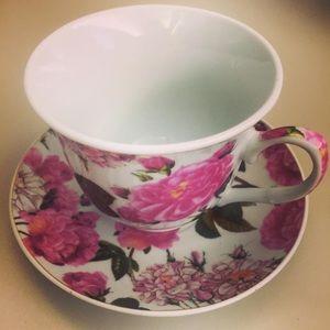 NEW Decorative Pink Floral Teacup